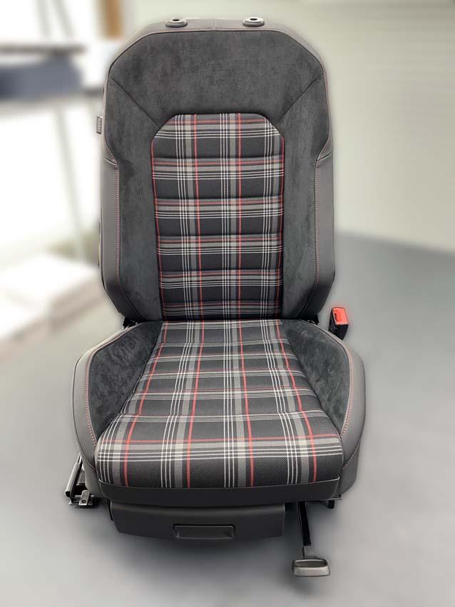Autosattlerei Autositz (1)