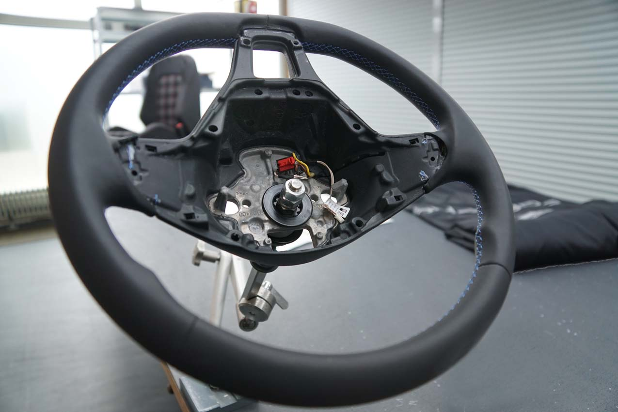 Autosattlerei Lenkrad beledern (1)