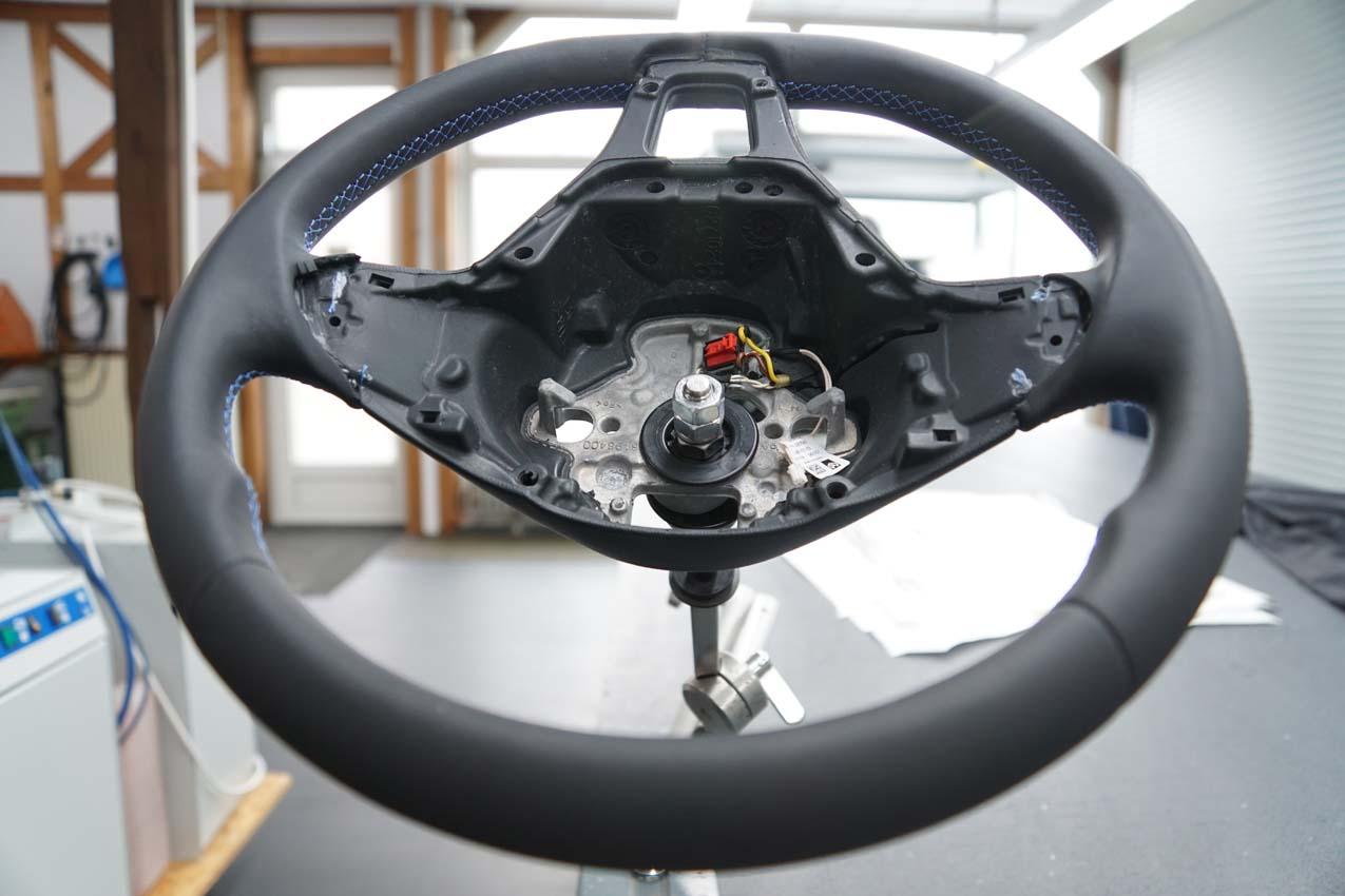 Autosattlerei Lenkrad beledern (5)